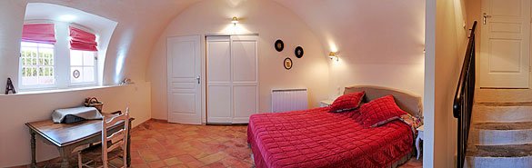 "The Bastide of Grand Boise: ""rouge Velours"" bedroom"